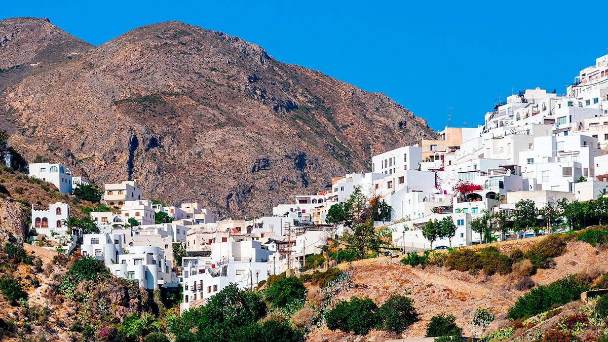 hoteles-en-mojacar-almeria-lugares-turisticos-que-ver-visitar-min